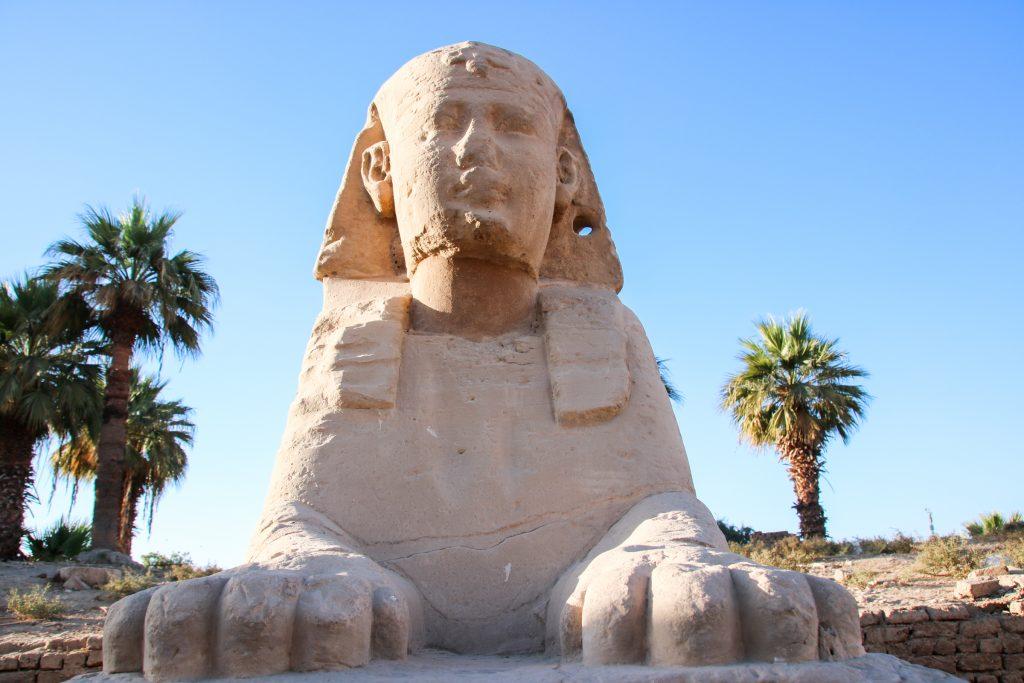 sfynx in Luxor Tempel, Egypte