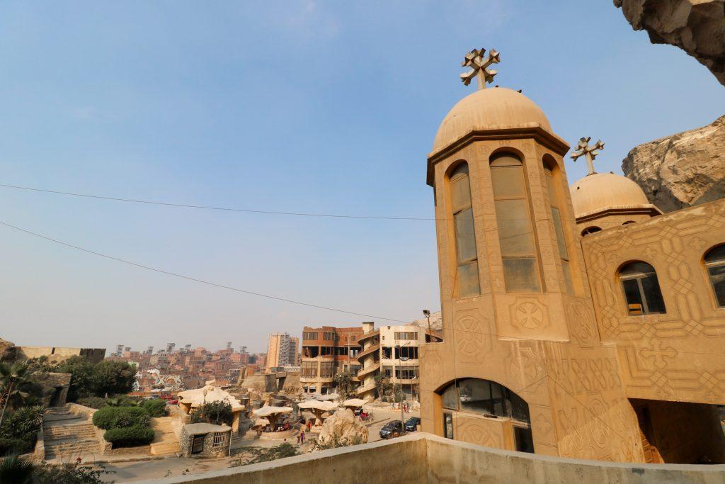 Uitzicht op Manshiyat Naser, afvalstad van Caïro