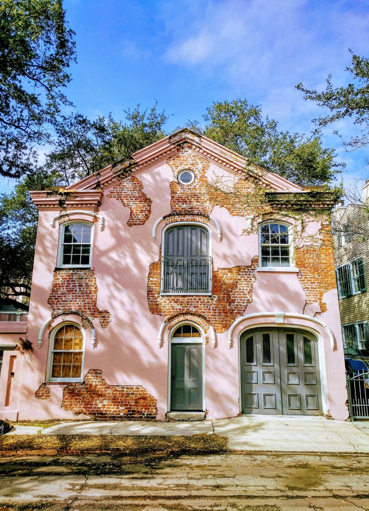 Photo of old pink building in New Orleans